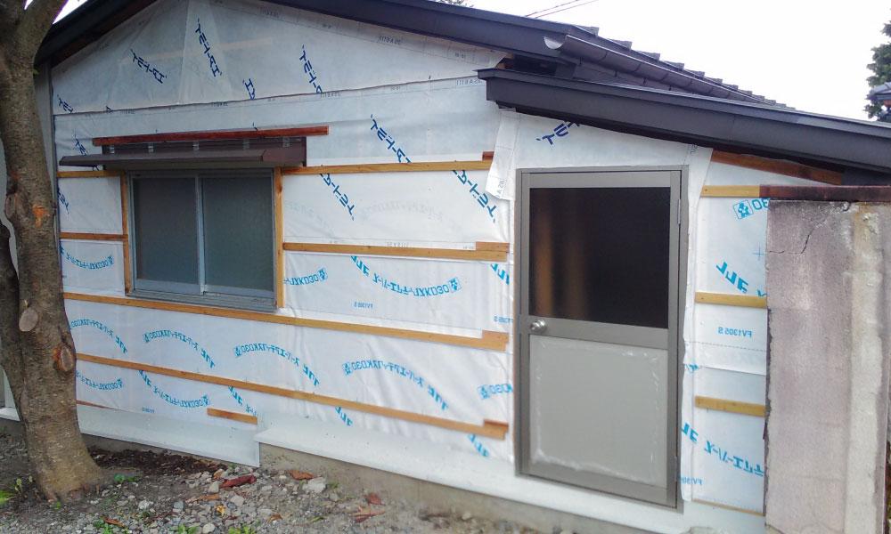 外壁の雨漏り修理の張り替え